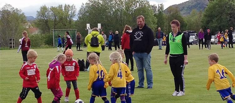 Unge dommere i aksjon under helgens Reipå cup - en flott opplevelse.